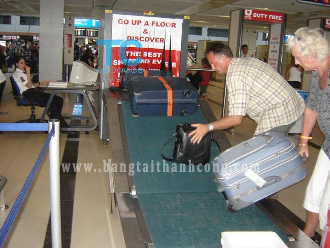 băng tải chuyển hàng sân bay
